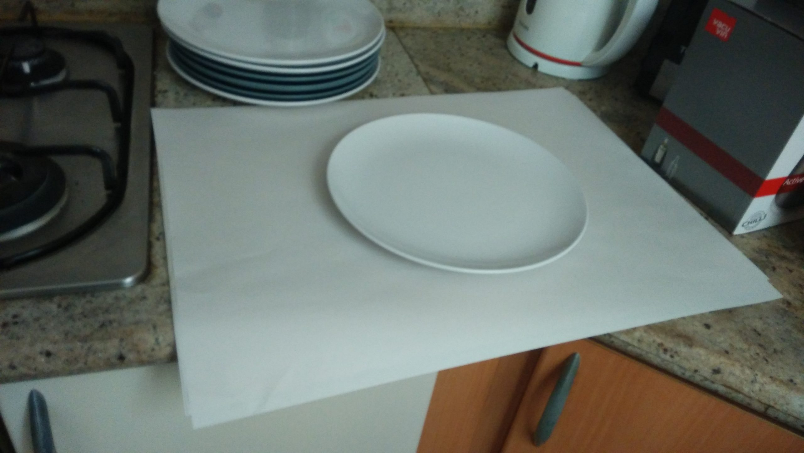 residential moving - wrapping plates